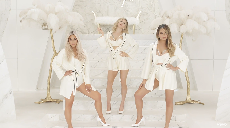kim-kardashian-fergie-video-2