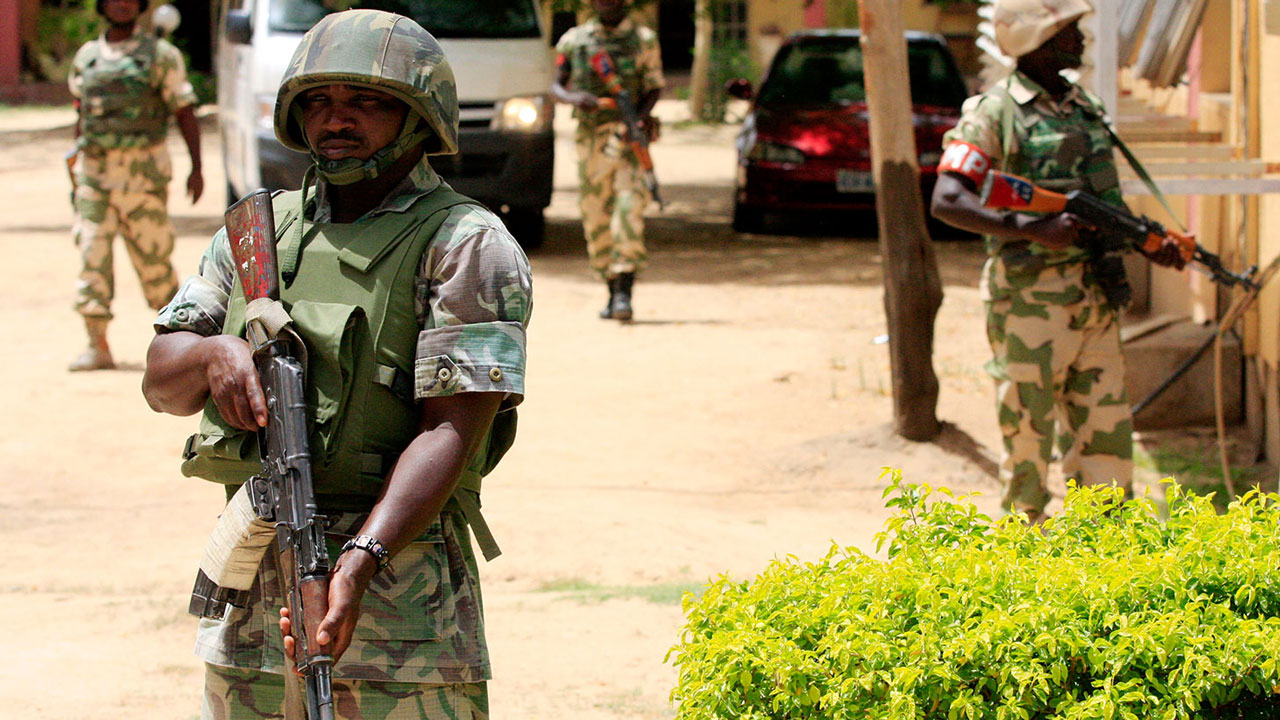 nigerian-army-on-street-patrol2